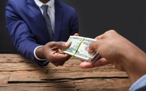 Как доказать получение взятки должностным лицом{q}